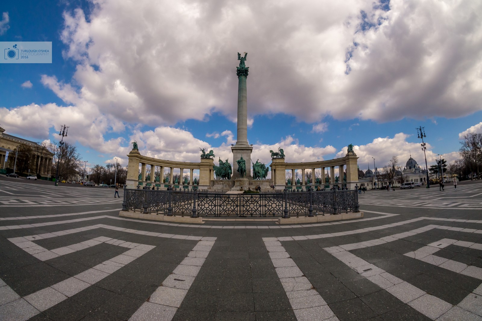 Heroes' Square by day